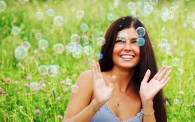 Progesteron: Wie ein Hormon unser Lebensglück beeinflusst