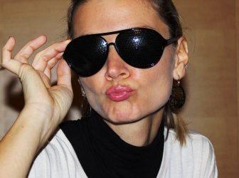 Mit Rasterbrille gegen altersbedingte Sehschwäche